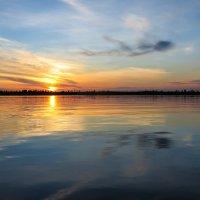 Закат над озером :: Валентина Каткова
