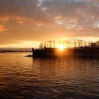 Осенный закат..по Питерски :: tipchik