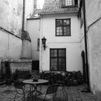 дворик в Риге. :: oleg