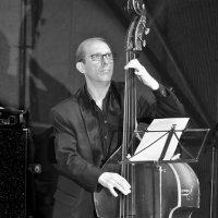 Играет джазовый стандарт... :: Алекс Б-в