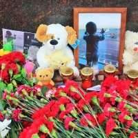 """Свеча памяти"""" по жертвам трагедии А321 :: Сергей Кочнев"""