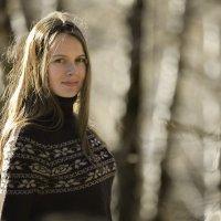 Осень, Лес, Аня, Холодно - четыре. :: Igor Veter