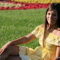 девушка на травке :: Олег Лукьянов