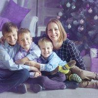 Мама и три сына :: Ярослава Бакуняева
