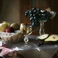 Осенний натюрморт с грушами. :: lady-viola2014 -