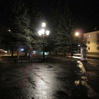 Ночь, аптека, улица, фонарь. :: Sergey Serebrykov