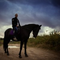 На коне :: Юлия Русских
