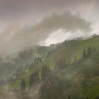 Перемена погоды в горах :: Людмила Быстрова