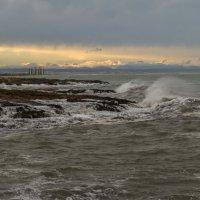 Шторм на Средиземном море. :: Ирина Краснобрижая