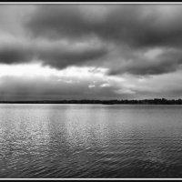Озеро Белое перед грозой :: Михаил Малец