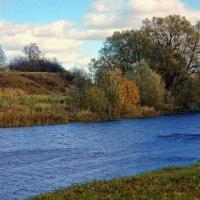 В ветреный день у маленькой реки... :: марк