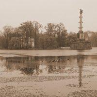 Осенний парк... :: Tatiana Markova