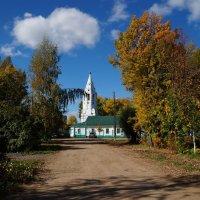 Покровский  храм :: kolyeretka