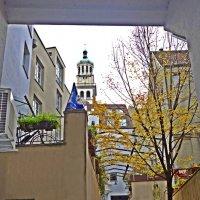 Улочки старого города. Жажда жизни... :: Galina Dzubina