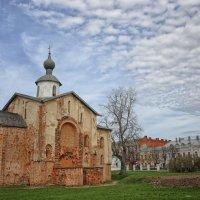 Церковь Параскевы Пятницы на Торгу. 1207 год. :: Ксения Старикова