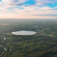 над озером :: Николай Колобов