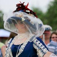 платья,шляпки,вуали,дамы :: Олег Лукьянов