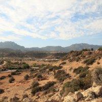 Вид на горную гряду Бешпармак и ее окрестности :: Anna Lipatova