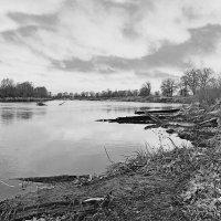 Остыли реки ,берега остыли... :: Александр Ковальчук