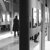 На выставке :: Елена Васильева