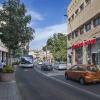 Улица в Хайфе :: Эмиль