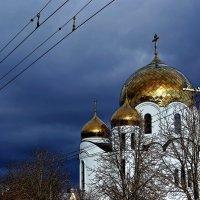Храм святителя святого Спиридона Тримифунтского :: Александр Корчемный
