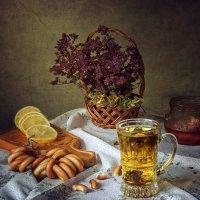 чай с душистыми травами :: Ирина Приходько