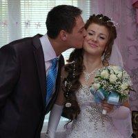 Поцелуй почти что мужа... :: Николай Варламов