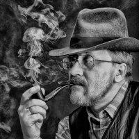 Блюз о безусловном вреде курения :: Олег Обухов