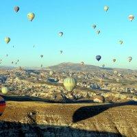 В небе Каппадокии 48 шаров !!! :: Игорь