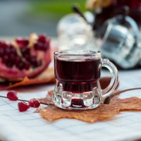 Pomegranate juice :: Asinka Photography