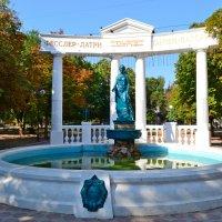 Памятник в благодарность Айвазовскому :: Виктор Шандыбин