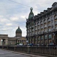 Вид на Казанский собор и Казанский мост :: Галина Galyazlatotsvet