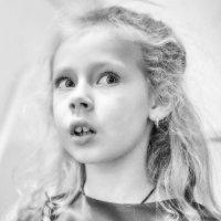 Когда кругом всё удивительно, но ничто не вызывает удивления, это и есть детство! :: Ирина Данилова
