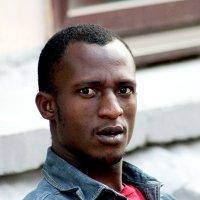 ... Просто парень темнокожий... :: Дмитрий Иншин