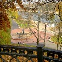 в осеннем парке Гомеля :: Александр Прокудин