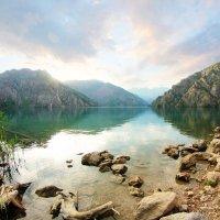 Озеро Сары-Челек :: Maxim Claytor