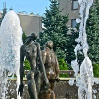 фонтан со скульптурами Тимура  Юсупова :: Елена