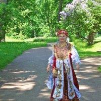 Летящей походкой... :: Tatiana Markova