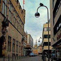 По городу гуляя :: Alexander