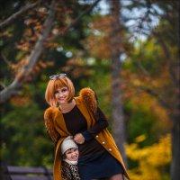 Доченька  — это маленькая девочка, которая подрастает, чтобы стать твоей подругой :) :: Алексей Латыш