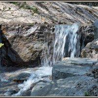 Маленький, но водопад :: Михаил Малец