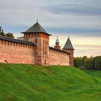 Стены Новгородского кремля :: Константин