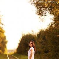 Фото девушки на железной дороге (3270) :: Виктор Мушкарин (thepaparazzo)