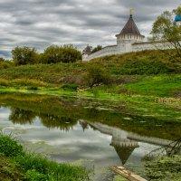 У монастыря :: Сергей Калистратов