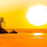 Зимний закат на озере :: Наталья Дороднова