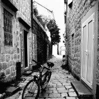 В прохладе переулка :: Мария Кондрашова