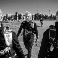 Люди в чёрном... :: Влад Никишин