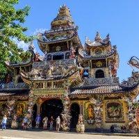 Пагода Линь Фуок. Далат. Вьетнам. :: Rafael