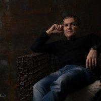 Автопортрет :: Дмитрий Сахнов